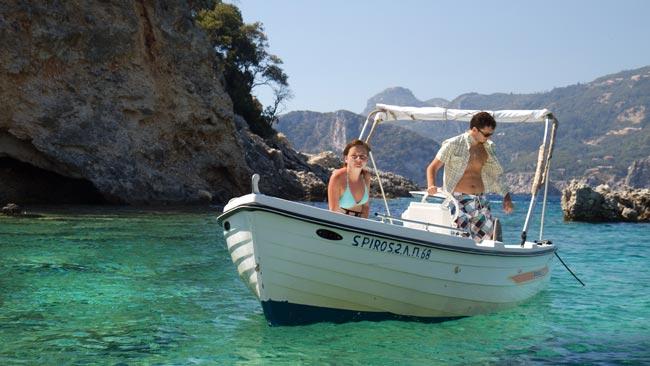 corfu cu barca