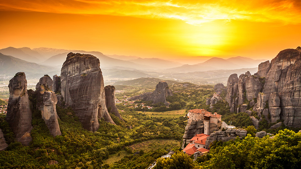 Meteora Orasul Dintre Stanci Ghid Turistic Grecia