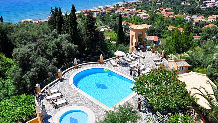 Dinas_Paradise_Hotel_3