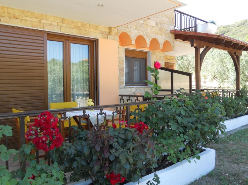 o-recomandare-apartamente-halkidiki-sarti-hotel-studios-alexandros-1