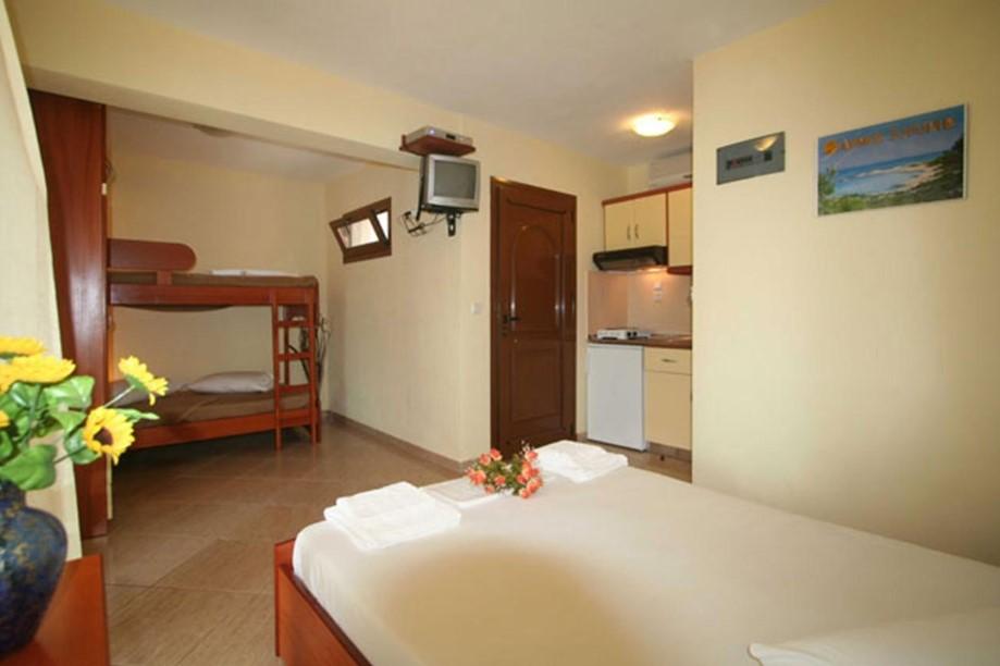 o-recomandare-apartamente-halkidiki-sarti-hotel-studios-alexandros-2