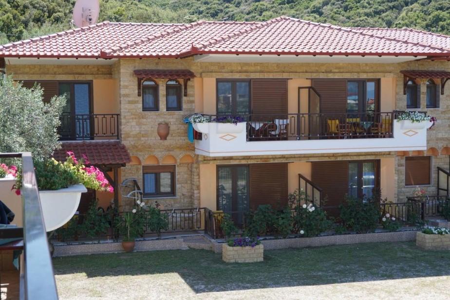 o-recomandare-apartamente-halkidiki-sarti-hotel-studios-alexandros