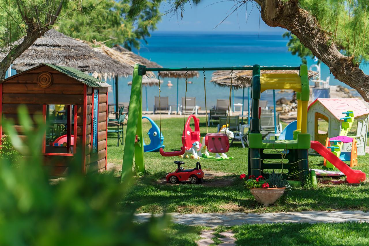 cazare-recomandata-porto-kaminia-Fiore-Beach-Studios-0