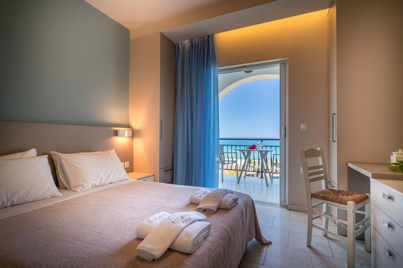 cazare-recomandata-porto-kaminia-Fiore-Beach-Studios-3