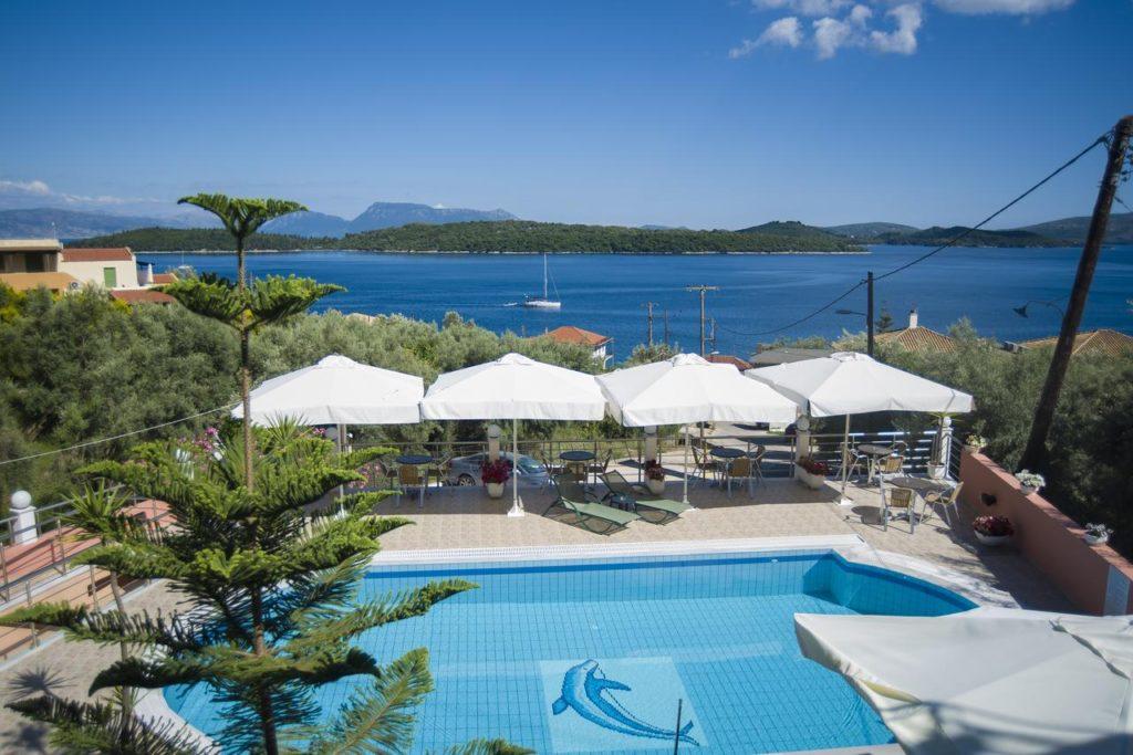 hoteluri-panorama-piscina-lefkada-1