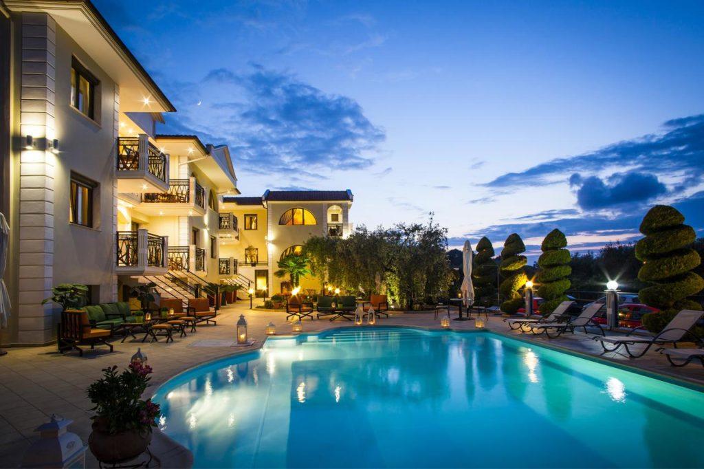 top-hoteluri-thassos-2021-hotel-marian-limenas-1