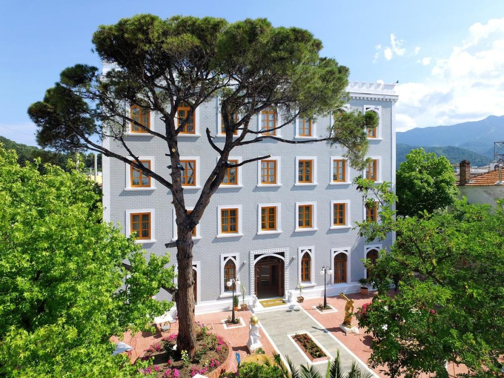top-hoteluri-thassos-2021-limenas-a-for-art-1